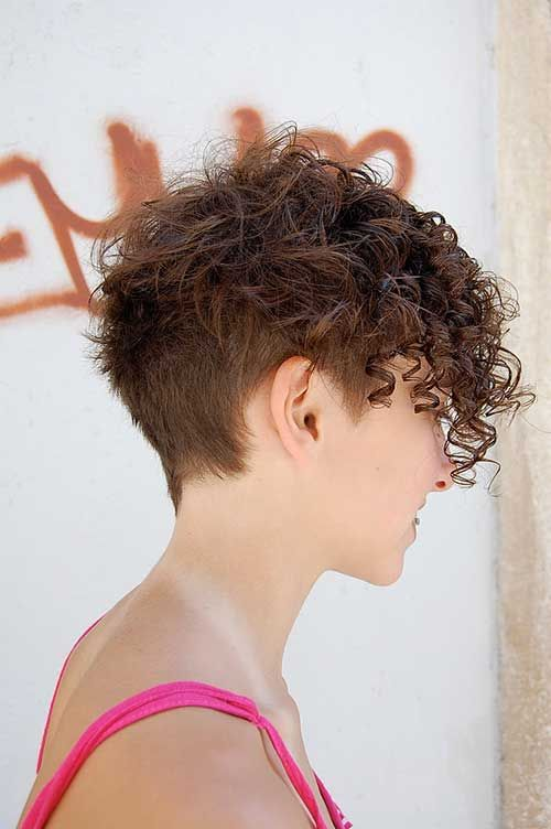 Cute Short Side Shaved Curly Hair Short Curly Hairstyles For Women Haircuts For Curly Hair Curly Pixie Hairstyles