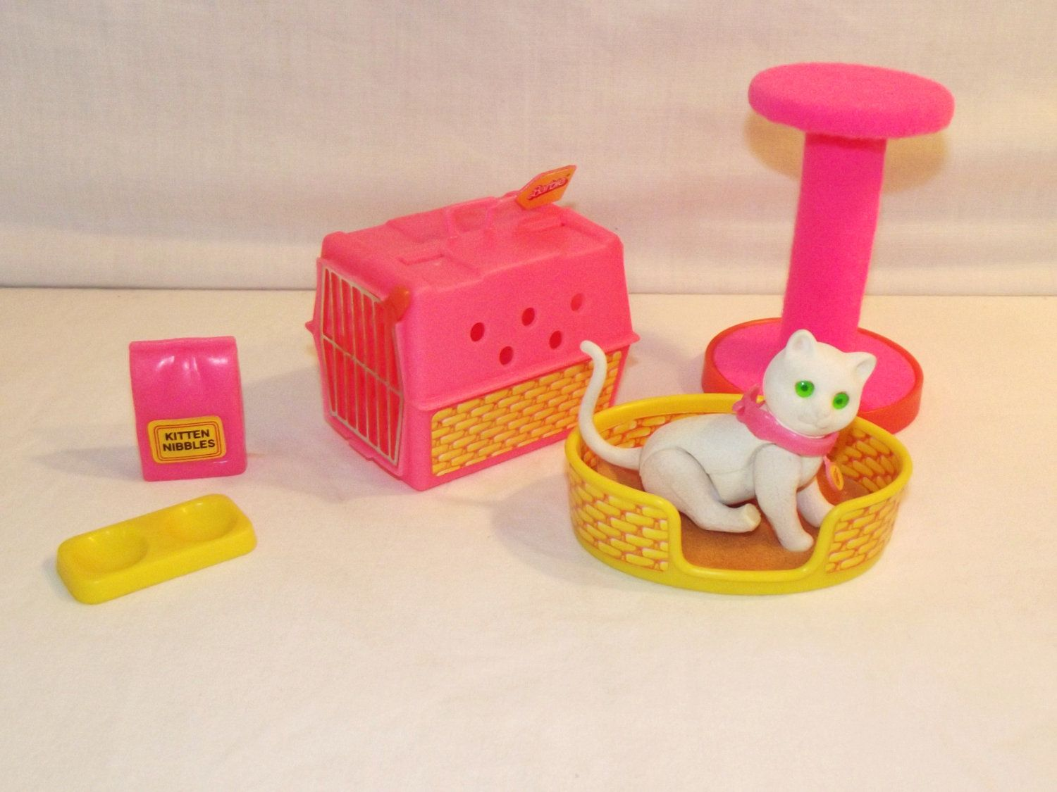 Barbie S Cat I Loved These Accessories Vintage Toys Barbie Cat Childhood Toys