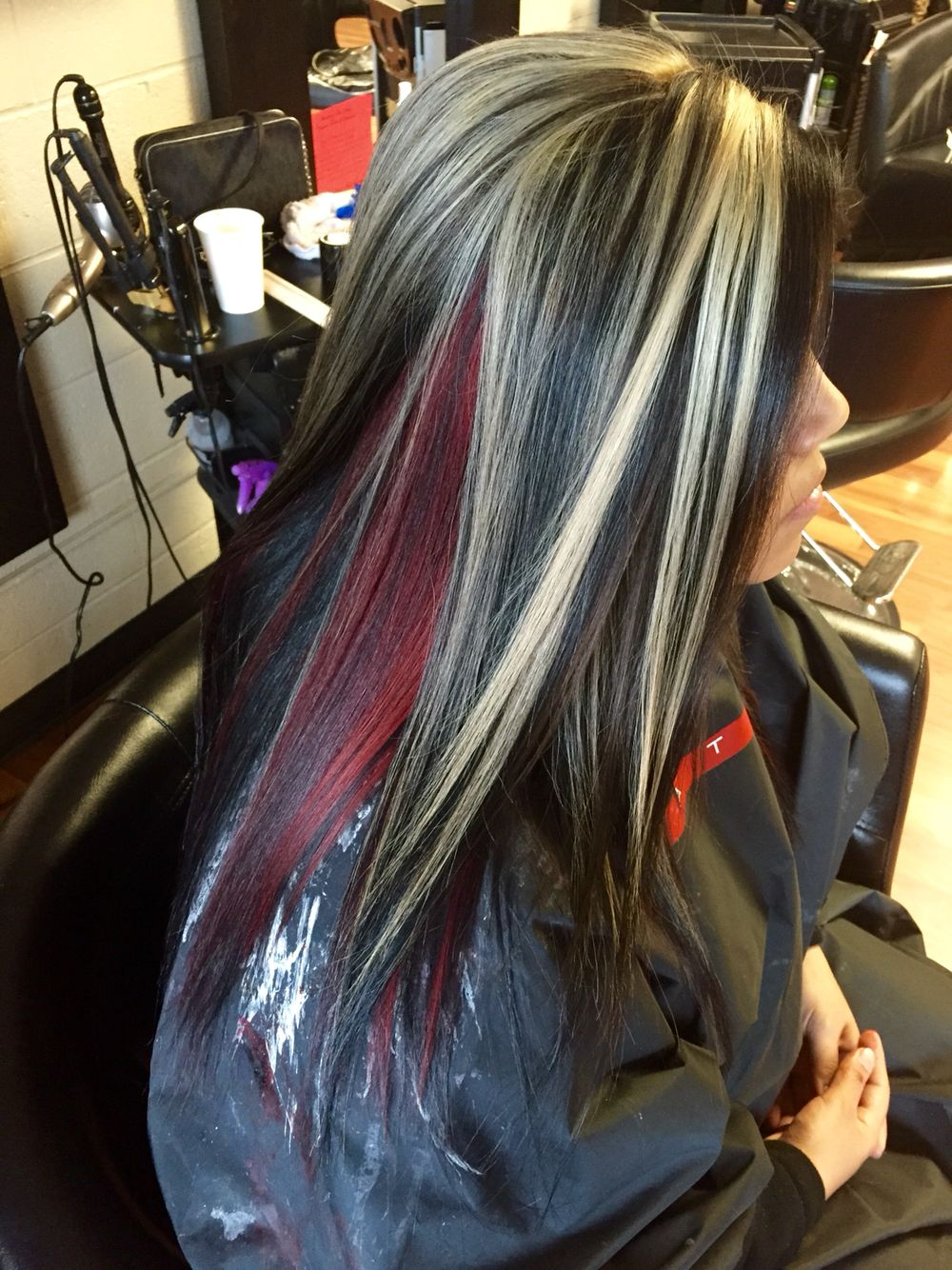 Chunky Blonde Highlights With All Over Black And A Red Halo Chunky Blonde Highlights Hair Color Pictures Long Hair Highlights