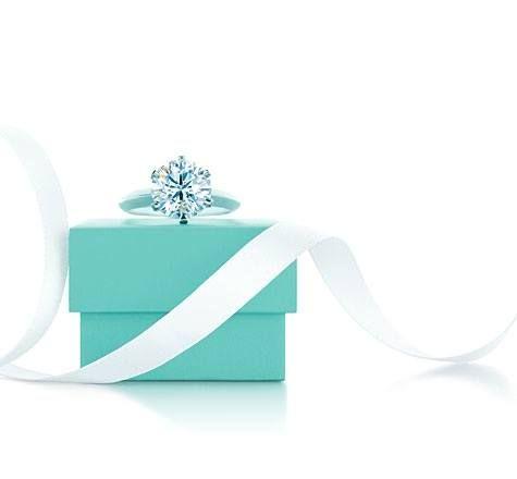 Seht Nur Wie Prachtig Er Funkelt Der Tiffany Verlobungsring Auf