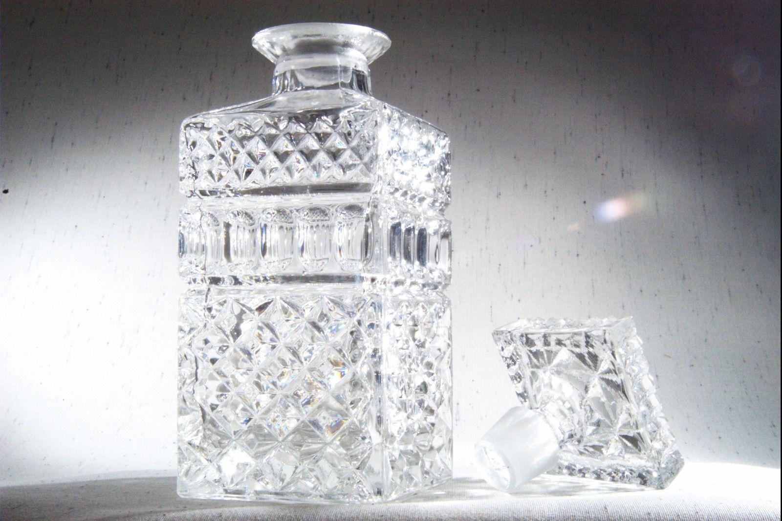 bleikristall karaffe ddr 80er jahre lausitzer whisky whiskey kristall handgeschl ebay eur 49. Black Bedroom Furniture Sets. Home Design Ideas