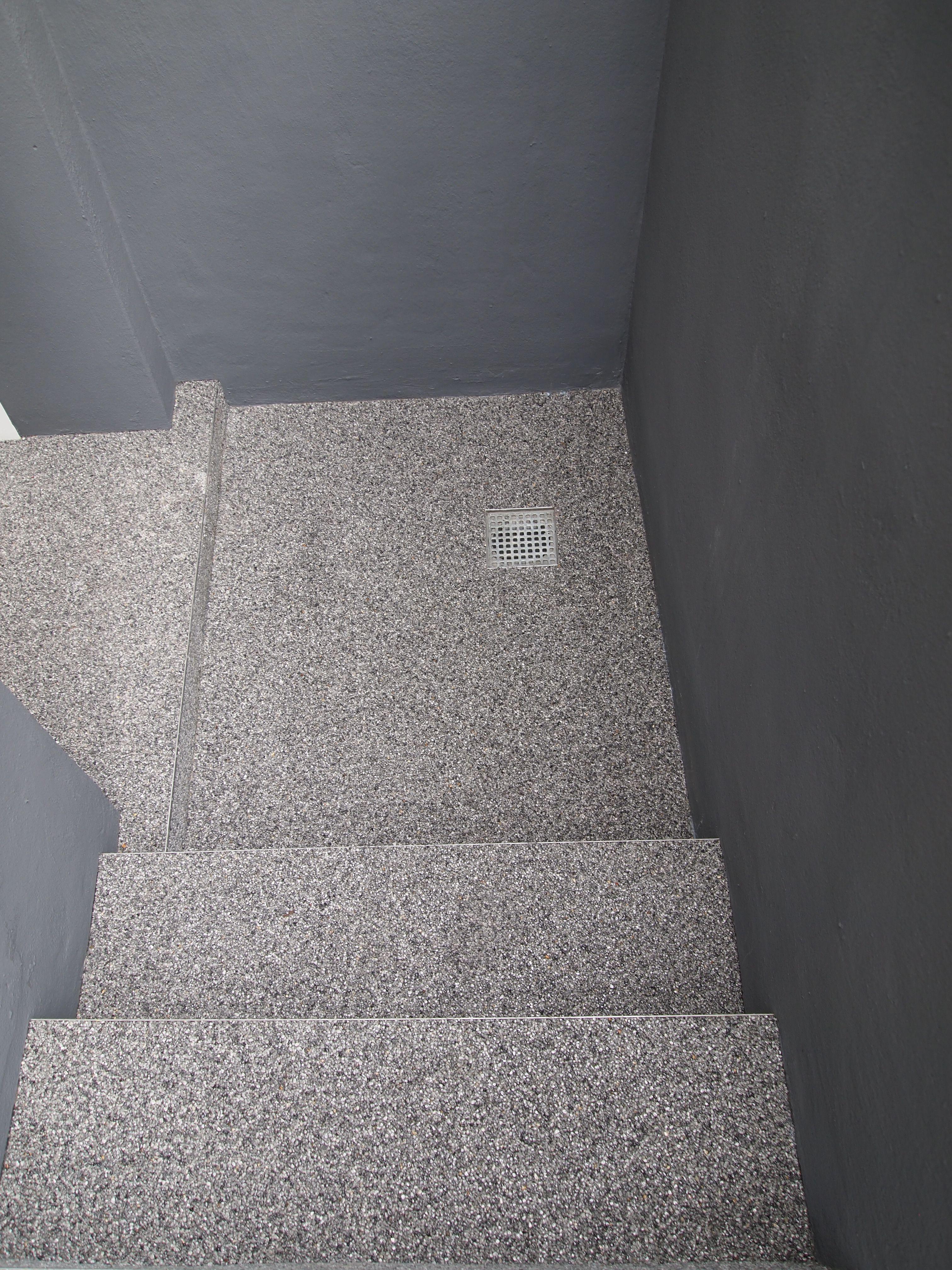 steinteppich home pinterest kellertreppe bodengestaltung und spachteltechnik. Black Bedroom Furniture Sets. Home Design Ideas