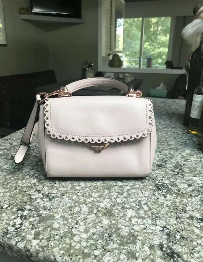 d5f0c2aece7d michael kors handbag pre owned  fashion  clothing  shoes  accessories   womensbagshandbags  seemoremichaelkorsavasoftpinkleatherscallopedc (ebay  link)