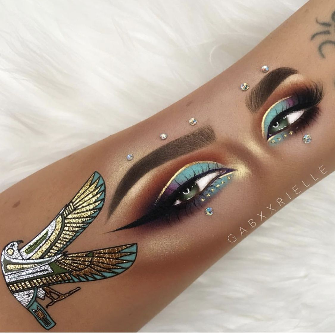 Pin By Asma Karimi On Jewelry With Images Egyptian Eye Makeup
