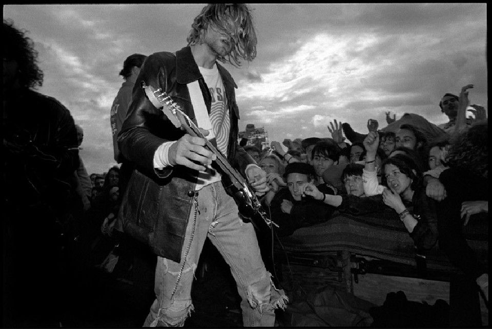 Nirvana Photographer Ed Sirrs Location Reading Festival Date 1991 First Three Songs Only For Photographers During The Third Kurt Ensures Optimum