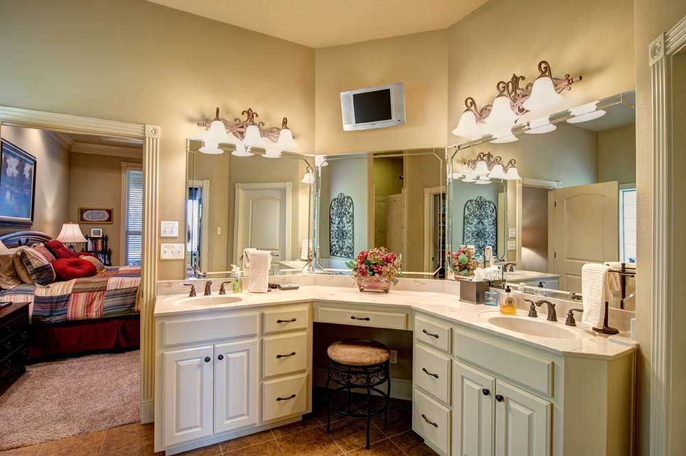 The Master Bathroom Features A Huge Walk In Closet With Space For A Stacked Washer Dryer Separate Va Dream Closet Design Closet Design Dream Closets