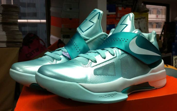 Nike Zoom KD IV - Easter | Futuristic shoes, Sneaker outlet ...