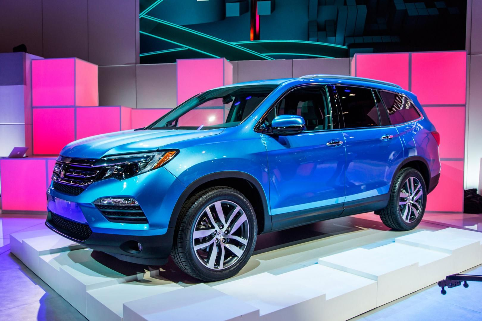 2016 honda pilot is the featured model the 2016 honda pilot exterior image is added in car pictures category by the author on oct