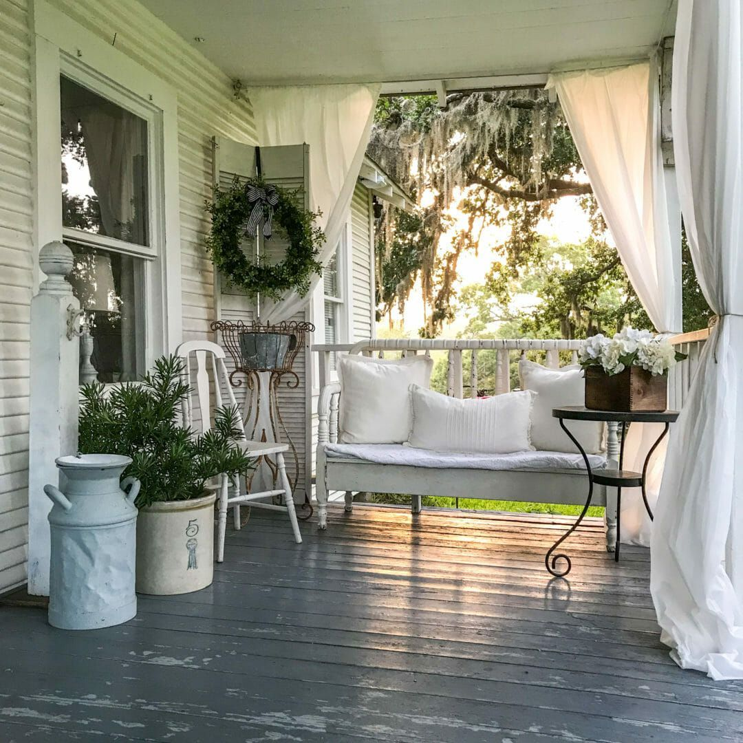 Lazy Hazy Days of Summer Farmhouse Porch #rusticporchideas