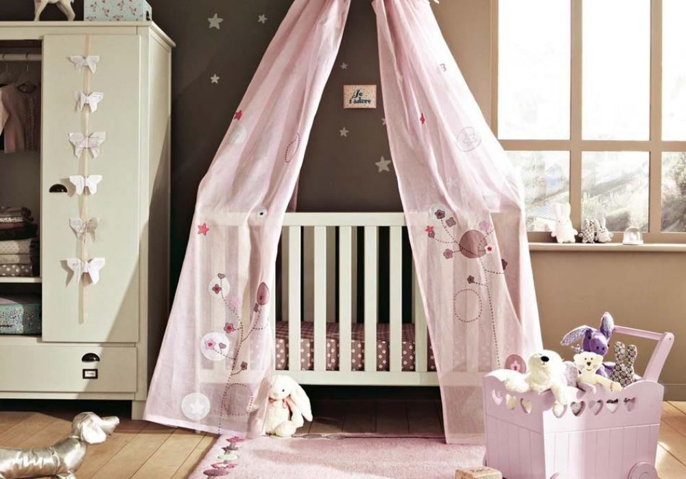 Déco chambre bébé  le voilage et le ciel de lit magiques Pinterest