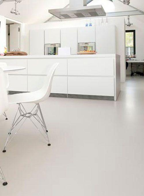 Grijze gietvloer voor woonkamer en keuken | Keuken | Pinterest ...