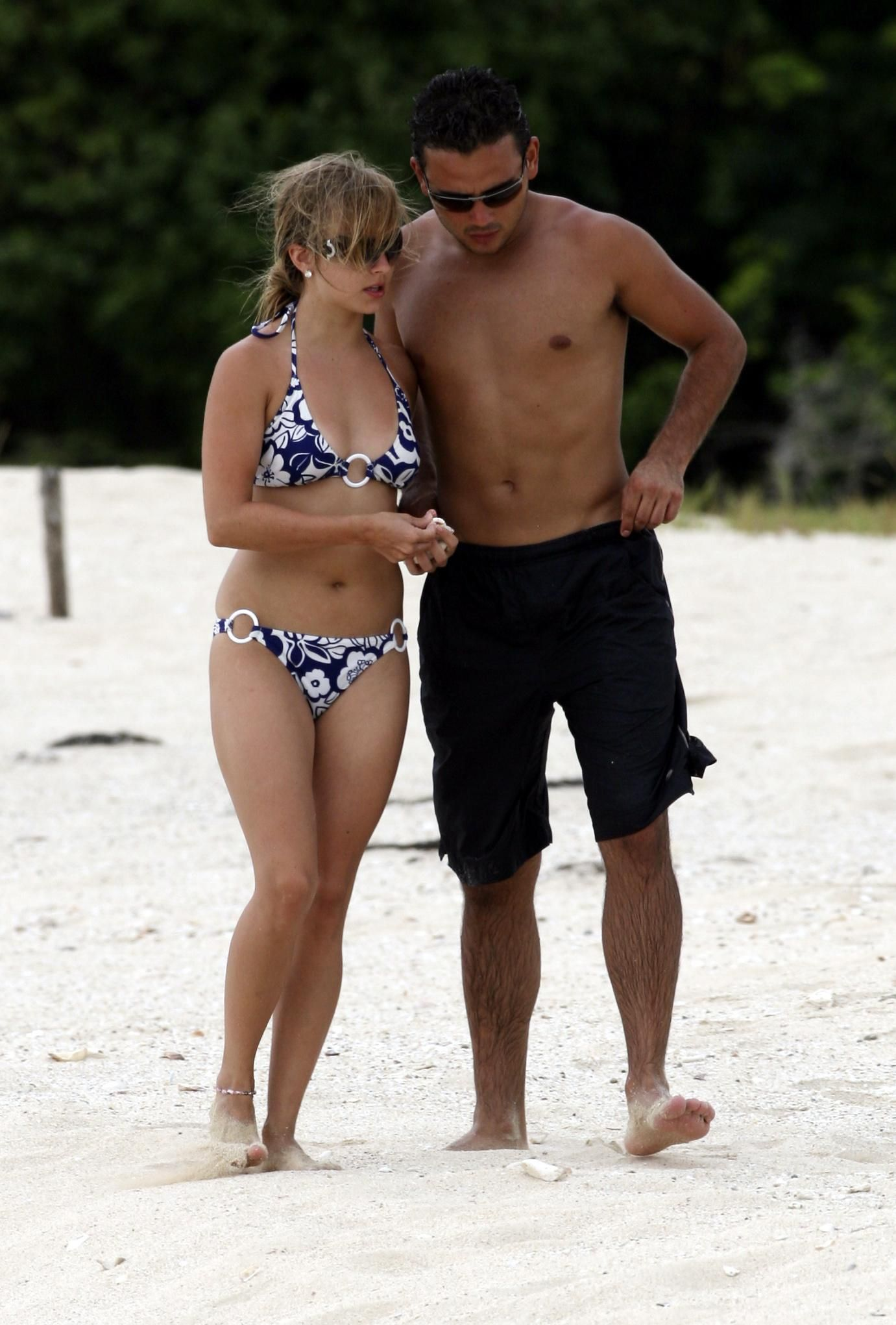 Tina O'Brien – Bikini candids Greece Oct 2006