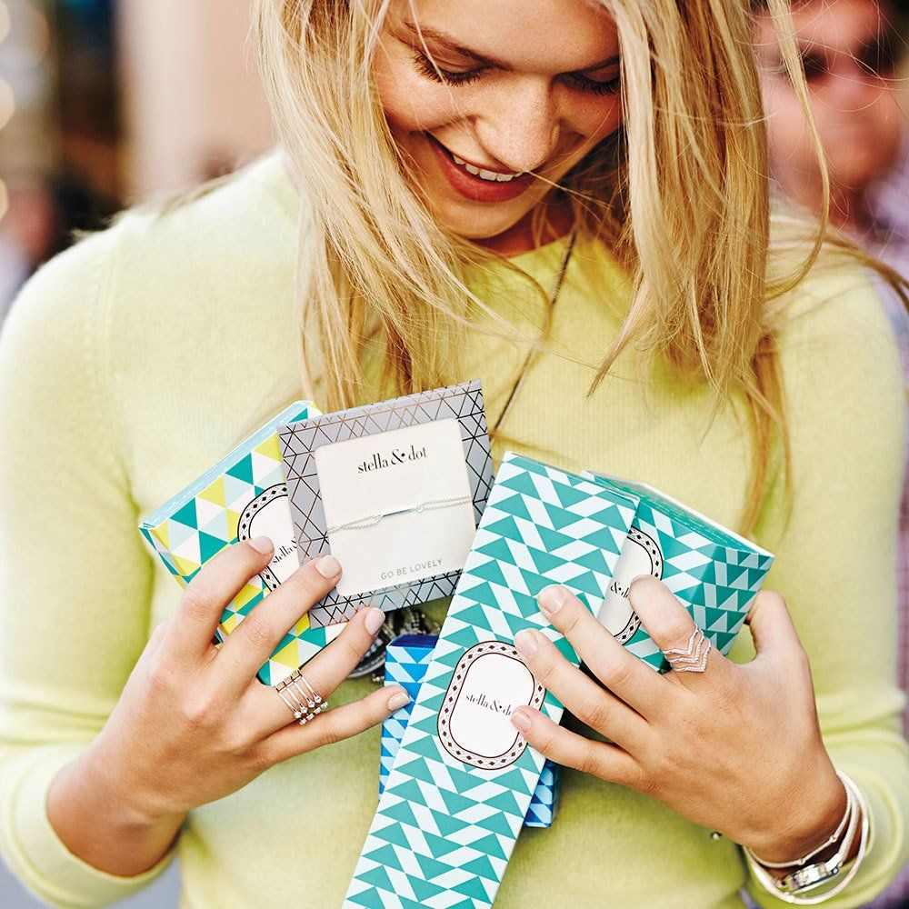 Host a Jewellery or Handbag Trunk Show in the UK | Stella & Dot