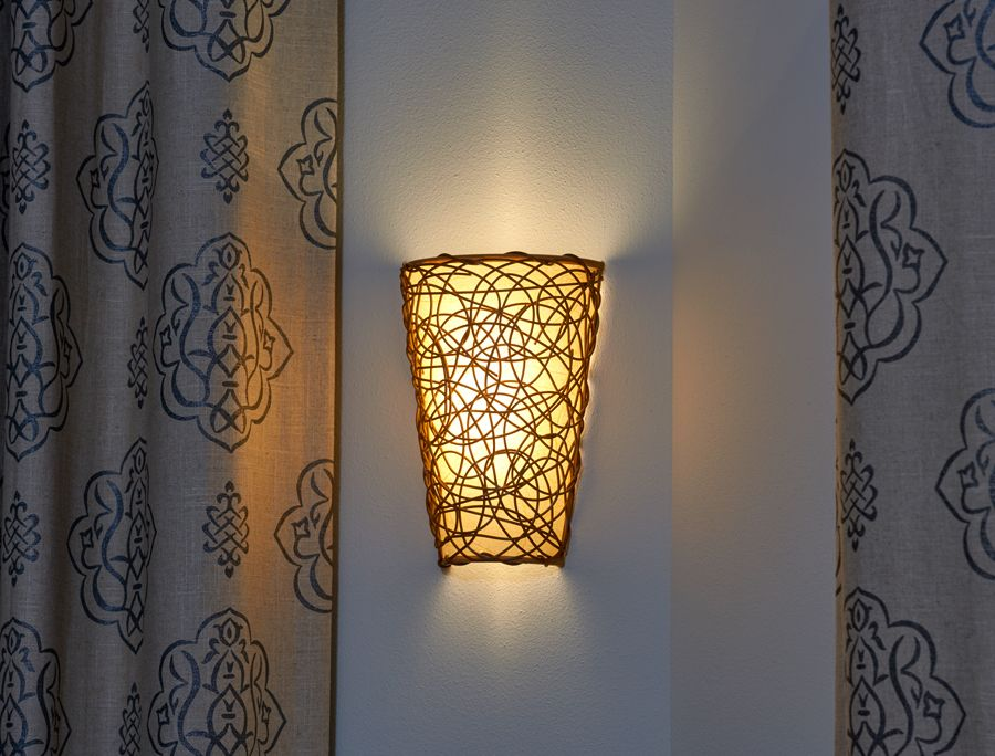 Battery Powered Wicker Wall Sconce With White Light Or Amber