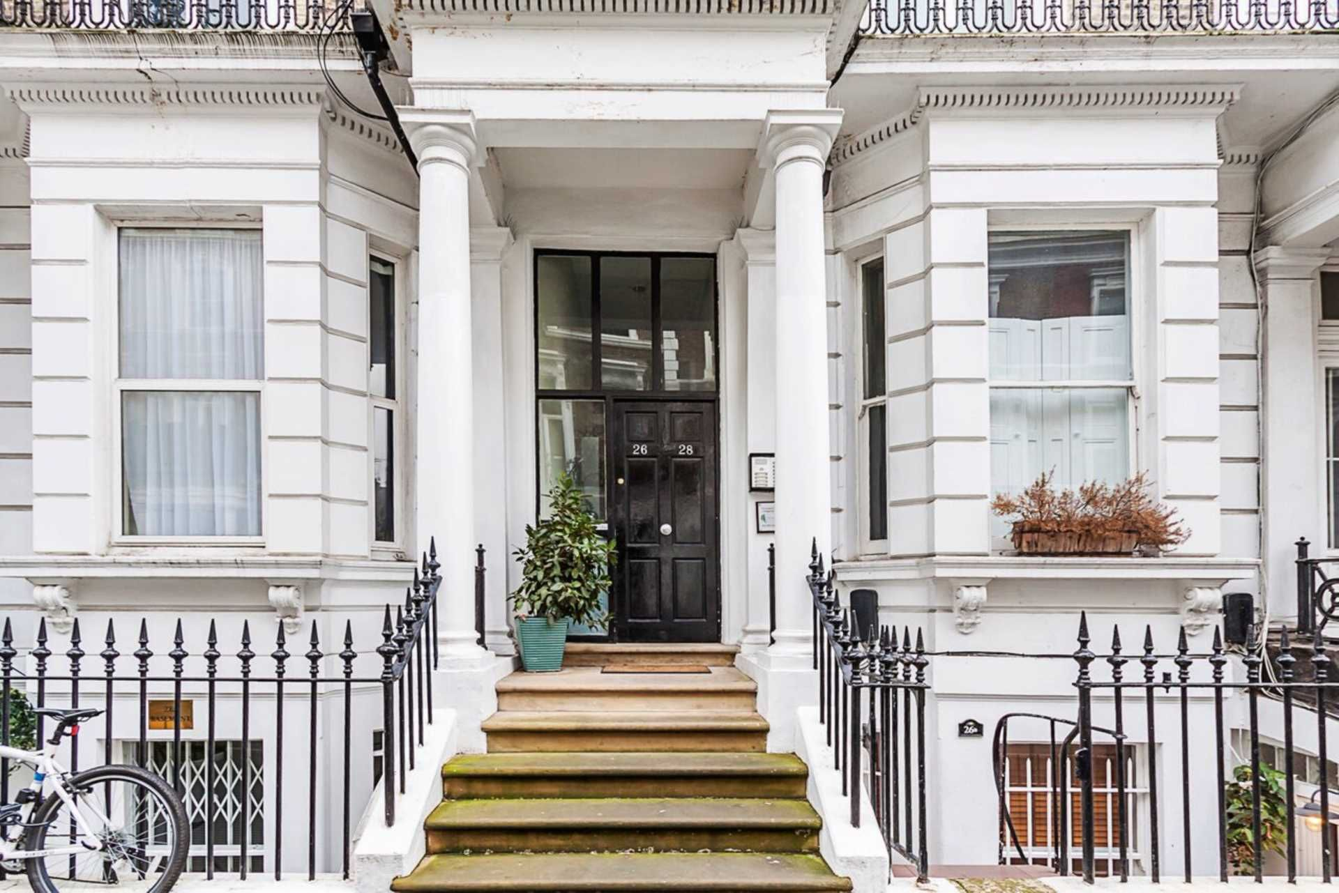 Hogarth Road, Earl`S Court, SW5 , 2 bed, Apartment, SW5