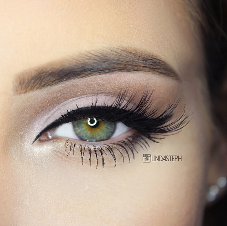 Lindasteph wearing Flutter® Lashes in Roxy! Love how