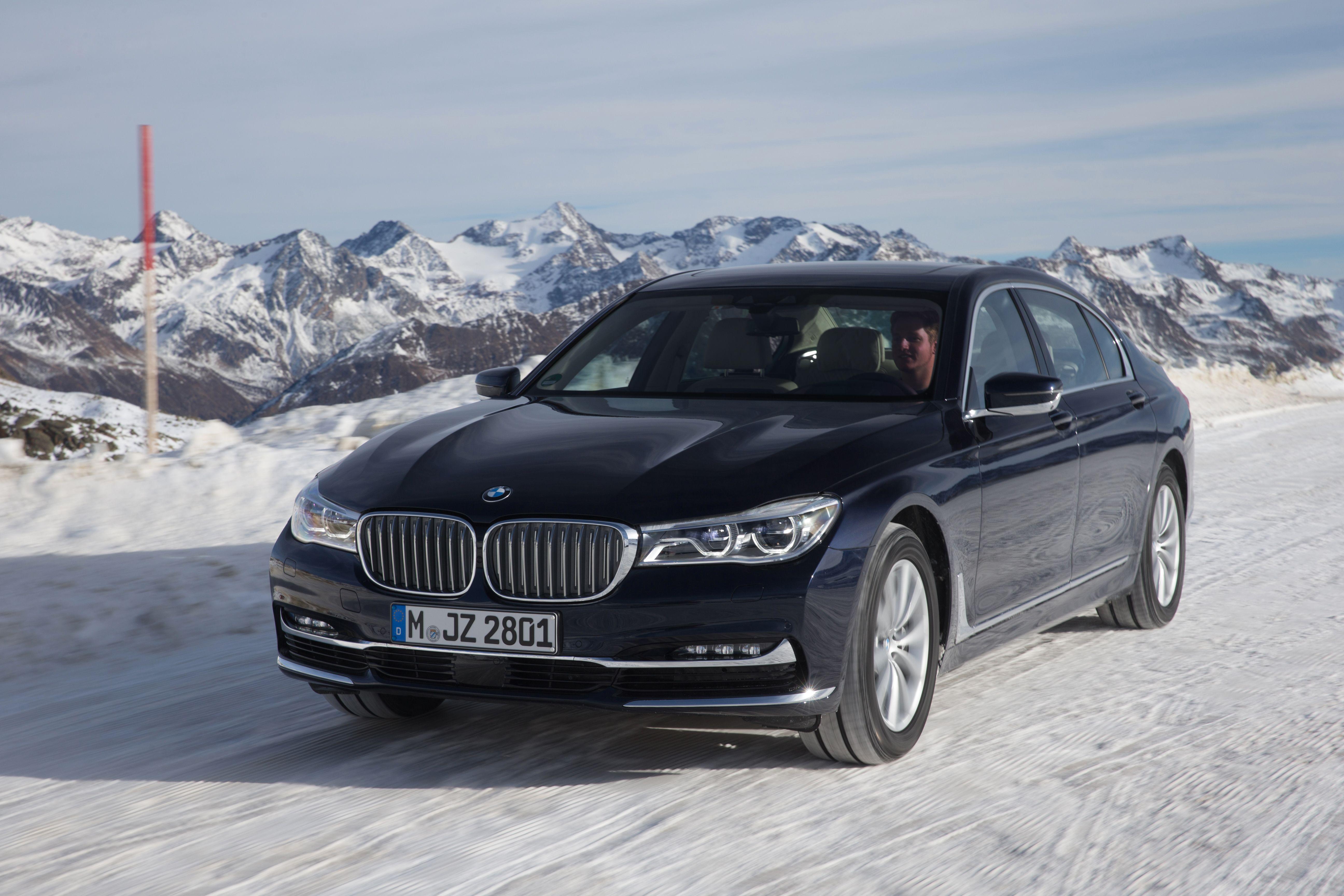 BMW G12 750Li Sedan xDrive Snow Winter Drift