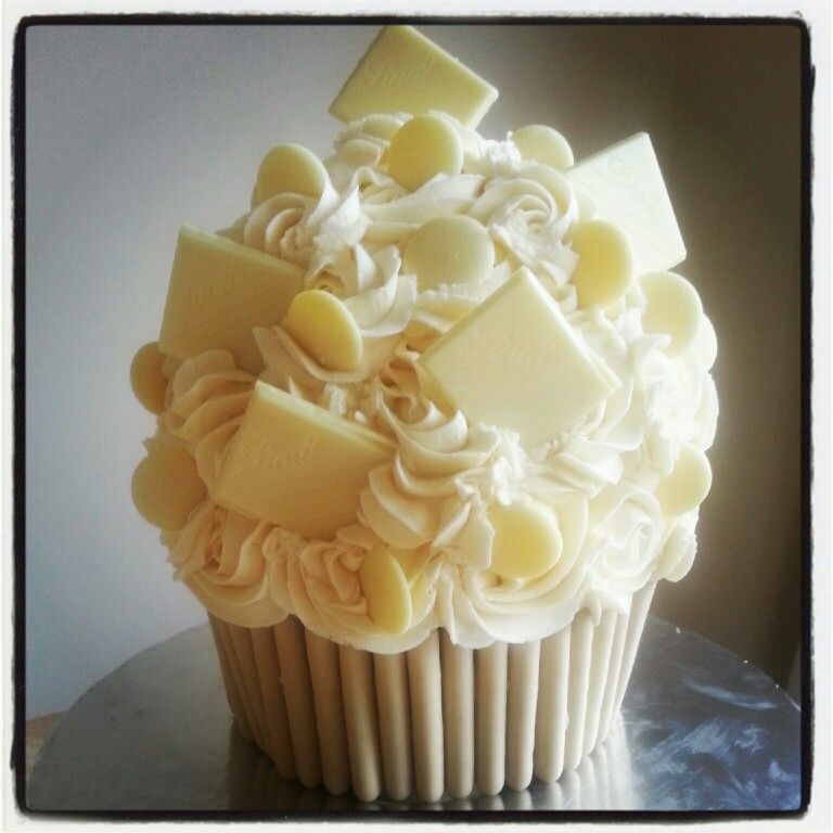 White Chocolate Giant Cupcake Made By Me A Slice Of Heaven Cakes