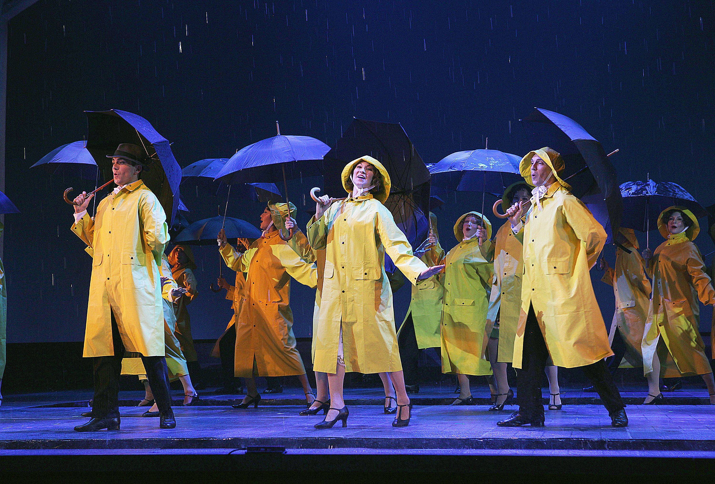 Singing In The Rain Encore SInging In The Rain Costumes