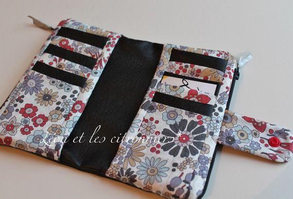 portefeuille fait main linz simili cuir noir et tissu fleuri l on et les citronniers. Black Bedroom Furniture Sets. Home Design Ideas