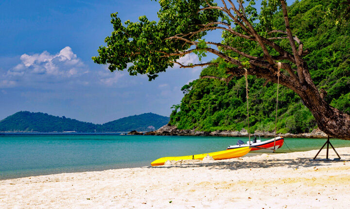 Your Guide in Exploring the Famous Lambug Beach in Badian