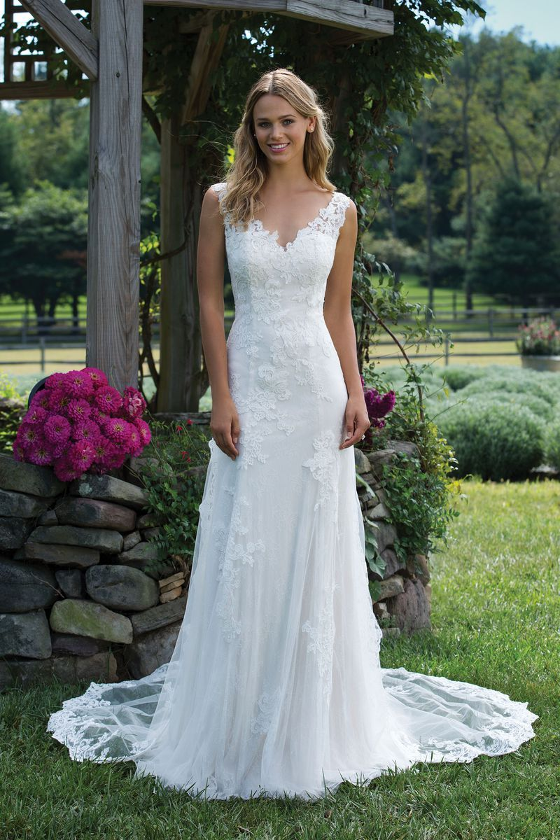 Sincerity Bridal - Style 3976: Chantilly and Corded Lace Trumpet ...