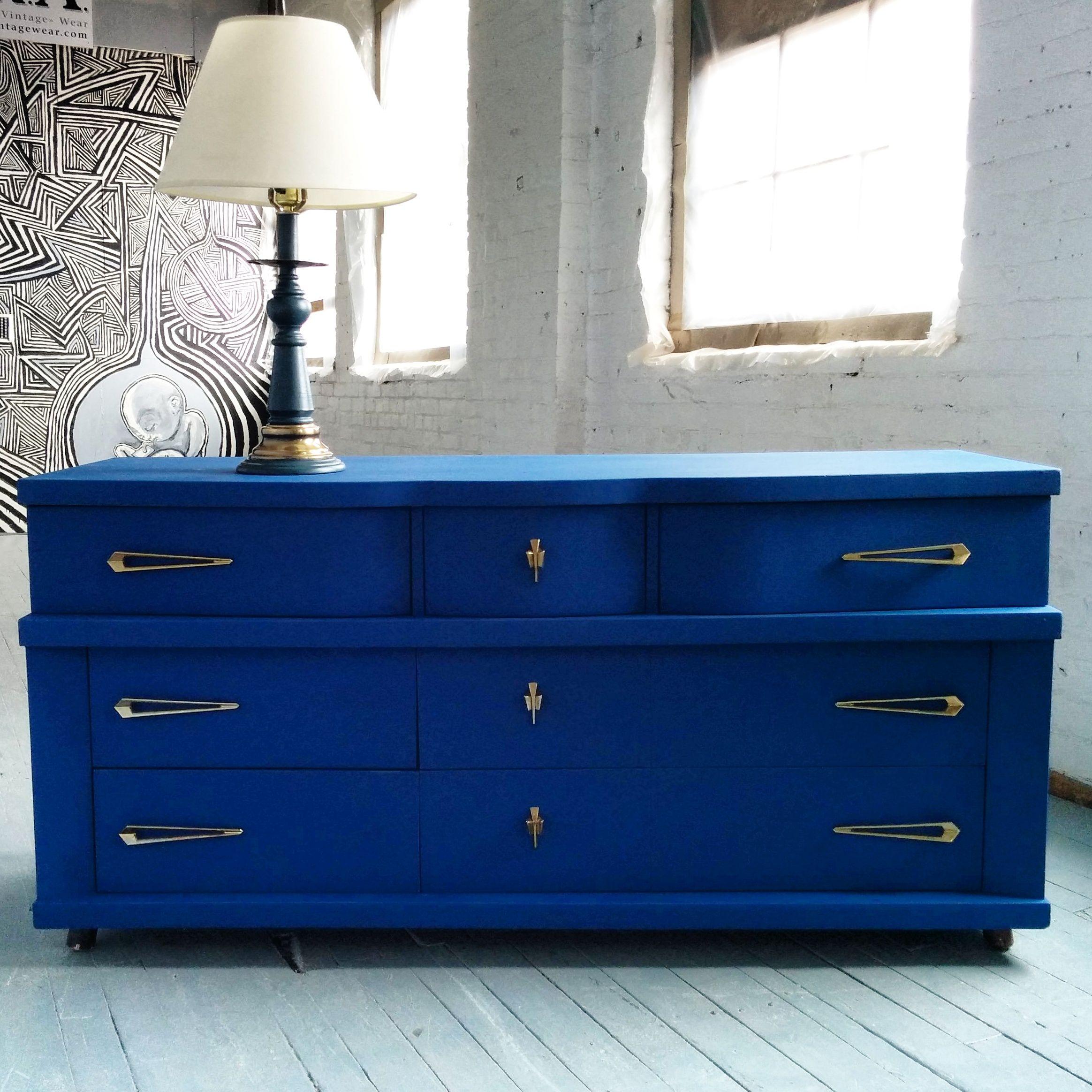 Commode jetson mid century bleu et dor e rehauss la - Peinture a la craie pour meuble ...