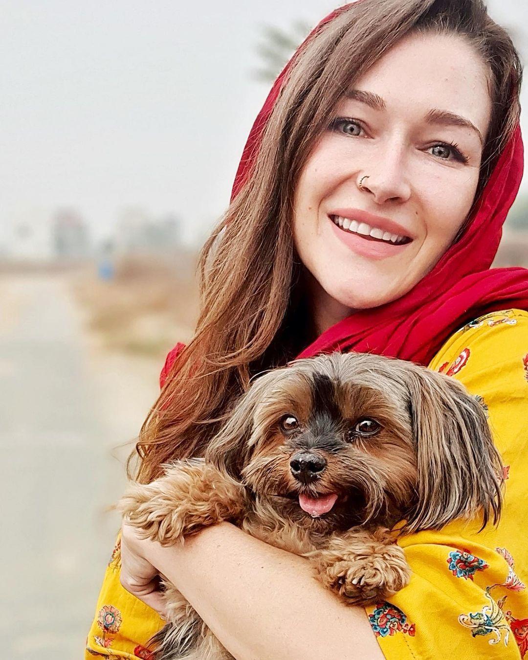 Rosie Gabrielle   Rosie Gabrielle in Pakistan