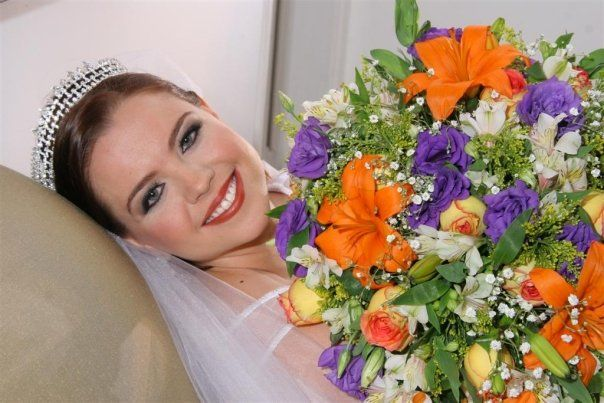 Bridal bouquet in purple and orange