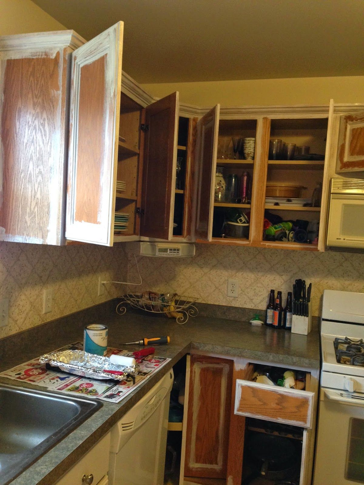 thrifty treasures paint your kitchen cabinets the easy on kitchens that ll make you want to redo yours id=32998