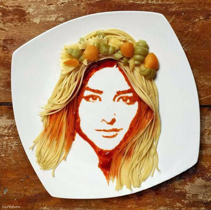 queen ketchup and pasta portrait by andre manguba 2016 720 a