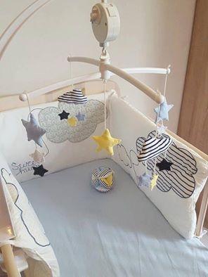 Mobile de lit bébé th¨me marin Couleurs bleu jaune blanc