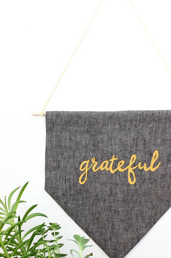 diy no sew thanksgiving grateful banner