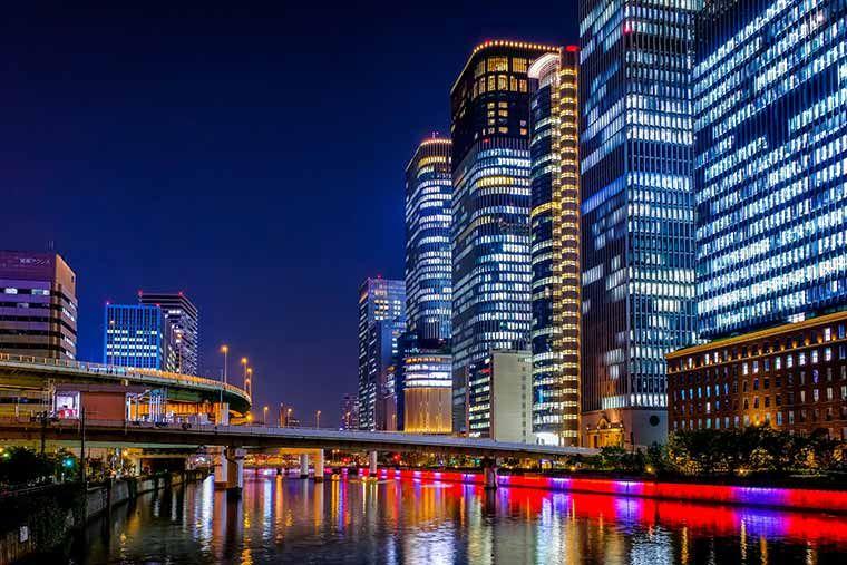 大阪 関西の夜景スポット15選 デート向けから工場夜景まで 楽天トラベル 大阪 夜景 夜景 高層ビル