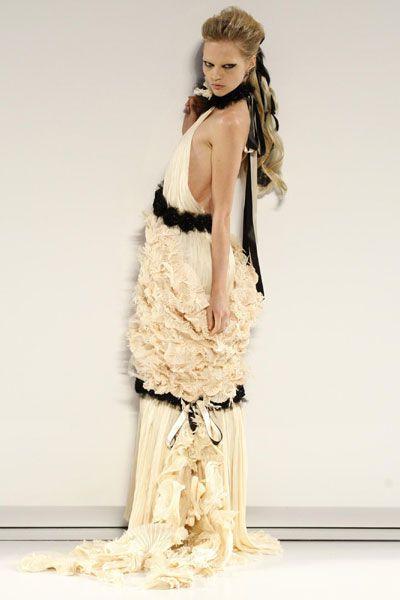 chanel haute couture 2010 | Chanel - Haute Couture de Paris - fall/winter 2009/2010 - Fashion ...
