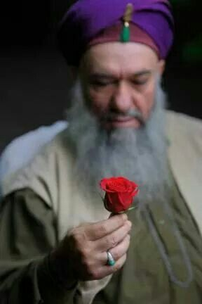BismillahirRahmanirRahim Hazreti Maulana Rumi is saying, 'do not look at my outer form, but take what is in my hand (meaning what I offer you).' Not everyone is going to offer you from their heart. And if they offer from their heart, make sure their heart contains nothing but Allah. - Hoja Lokman Effendi Hz