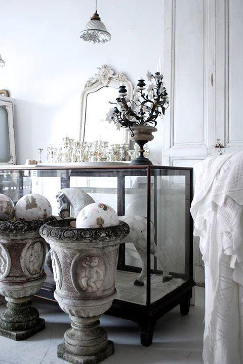 vintagebynina.com ▇ #Vintage #Home #Decor via - Christina Khandan on IrvineHomeBlog - Irvine, California ༺ ℭƘ ༻