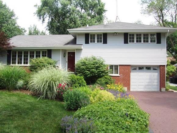 split level landscaping. | Home landscaping, Front yard ... on Split Garden Ideas id=13700