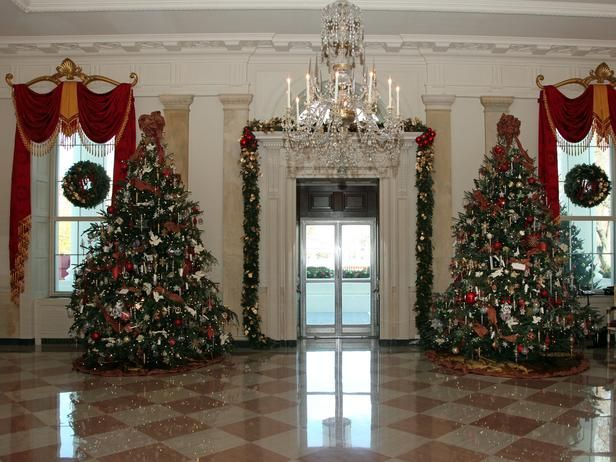 A White House Christmas 2012 The East Room Decorations Celebrate The Joy Of White House Christmas Decorations White House Christmas Tree White House Christmas