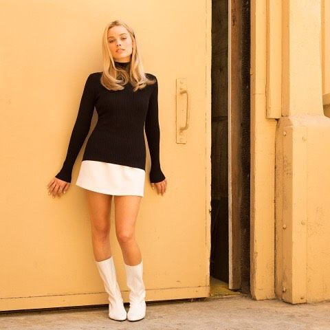 Margot Robbie Teases First Look As Sharon Tate In Once Upon A Time In Hollywood Margo Robbie Margot Robbie Sharon Tate