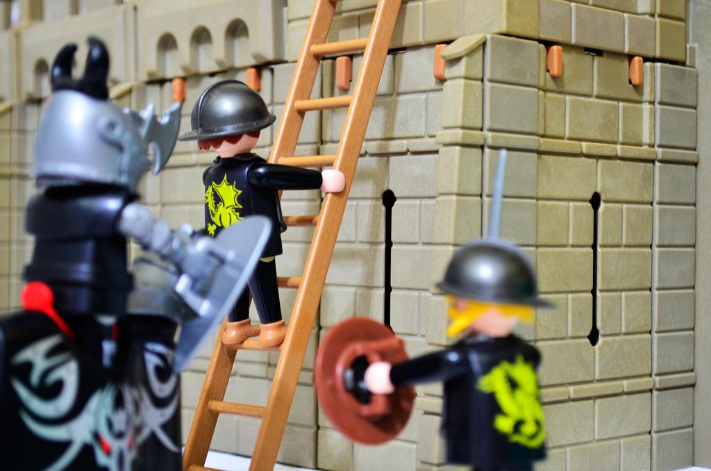 fotografia de brinquedos - ataque do castelo