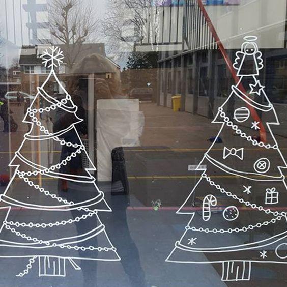 Kerstbomen raamtekening
