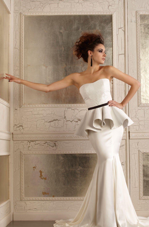 Della Giovana Wedding Gowns 37 Edgy Wedding Dress Wedding Dresses Leather Wedding Dress [ 1500 x 984 Pixel ]