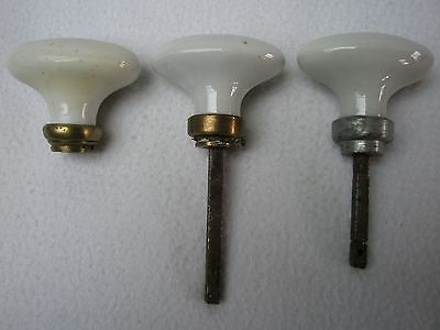 3 anciennes poignées de porte en porcelaine blanche   2 montages - poignee de porte porcelaine ancienne