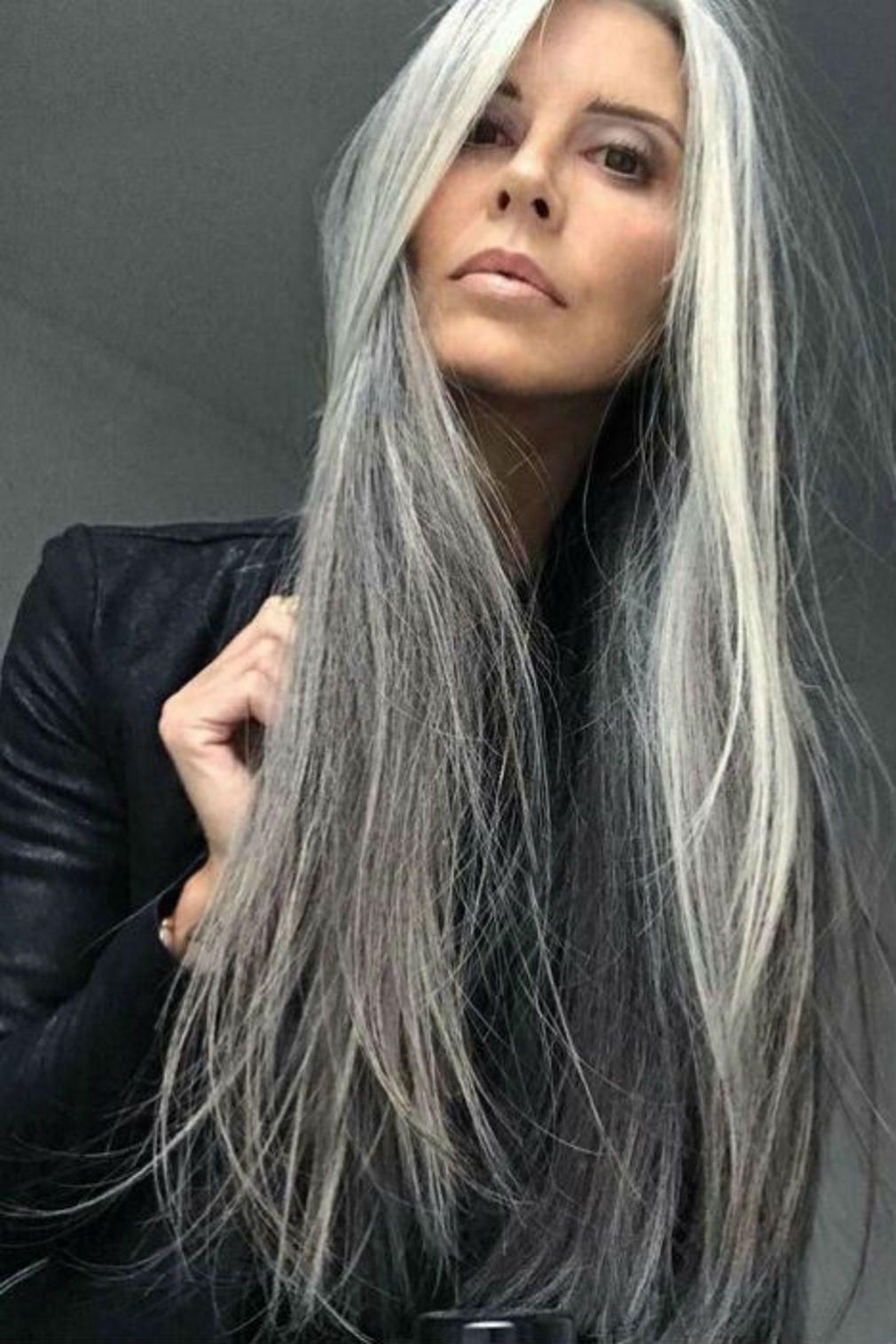 Longs cheveux gris coupe en 2019 Cheveux gris, Coiffures