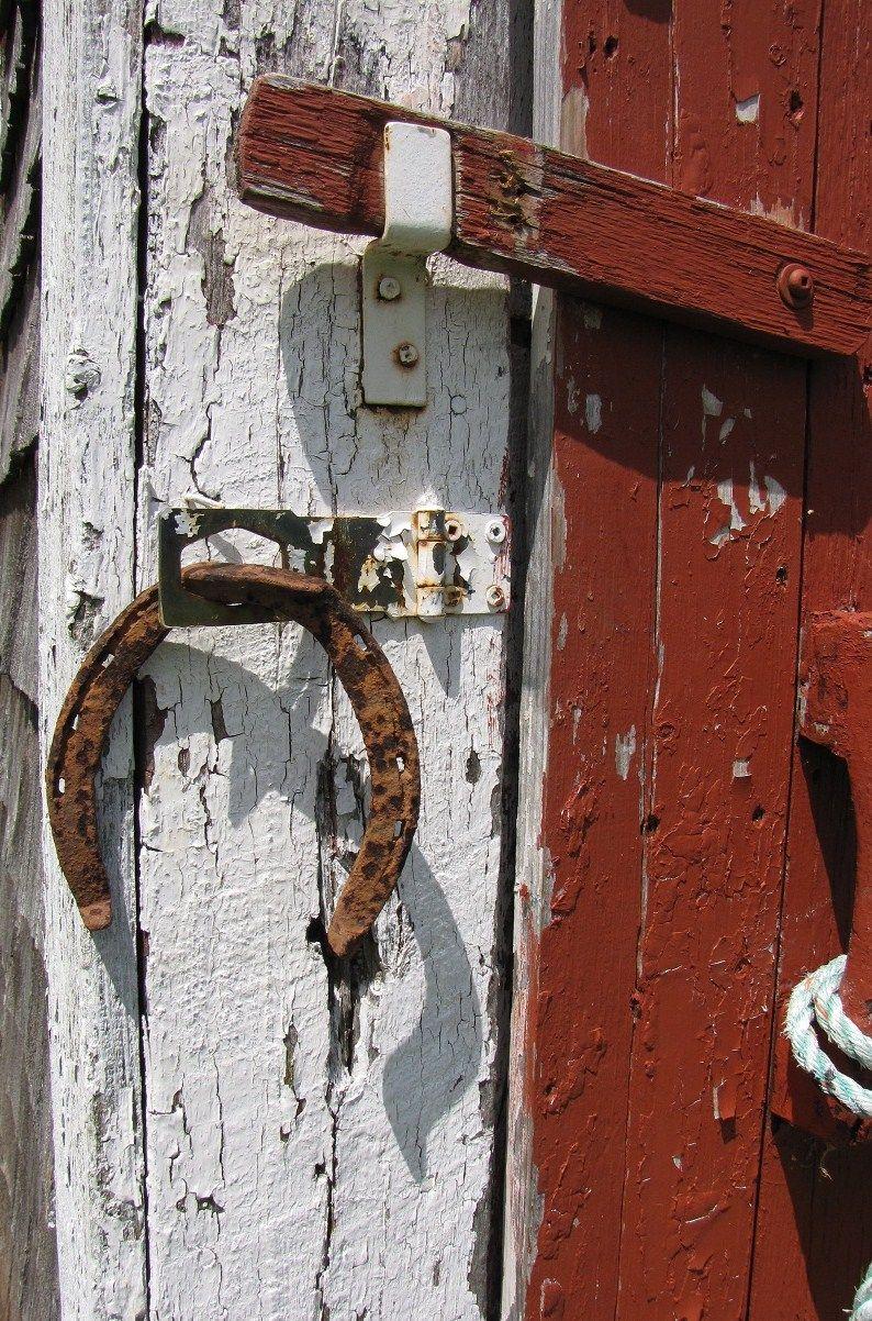Horse shoe Western decor, Horses, Door handles