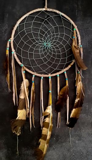 Here's How to Make a Dream Catcher in 5 Simple Steps