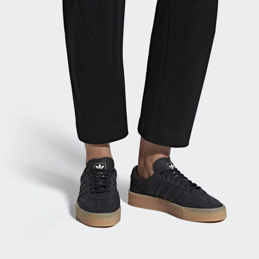 tienda Justicia enlazar  Samba Rose Shoes Core Black / Core Black / Gum B28157 Size 9 | Samba shoes,  Casual tennis shoes, Rose shoes