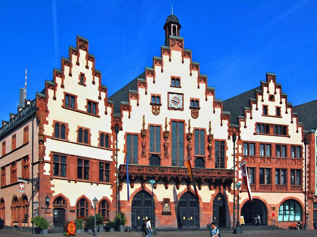 Romer In Frankfurt Germany New Continent City