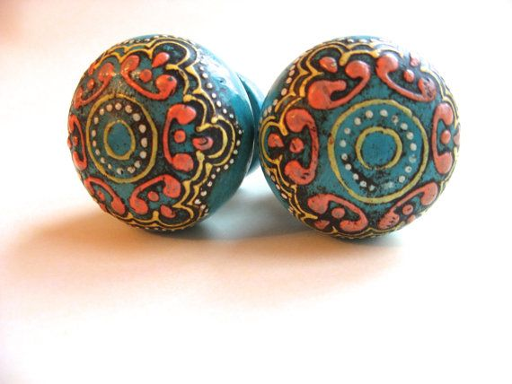hand painted turquoise wood knobs for by theturquoisecottage